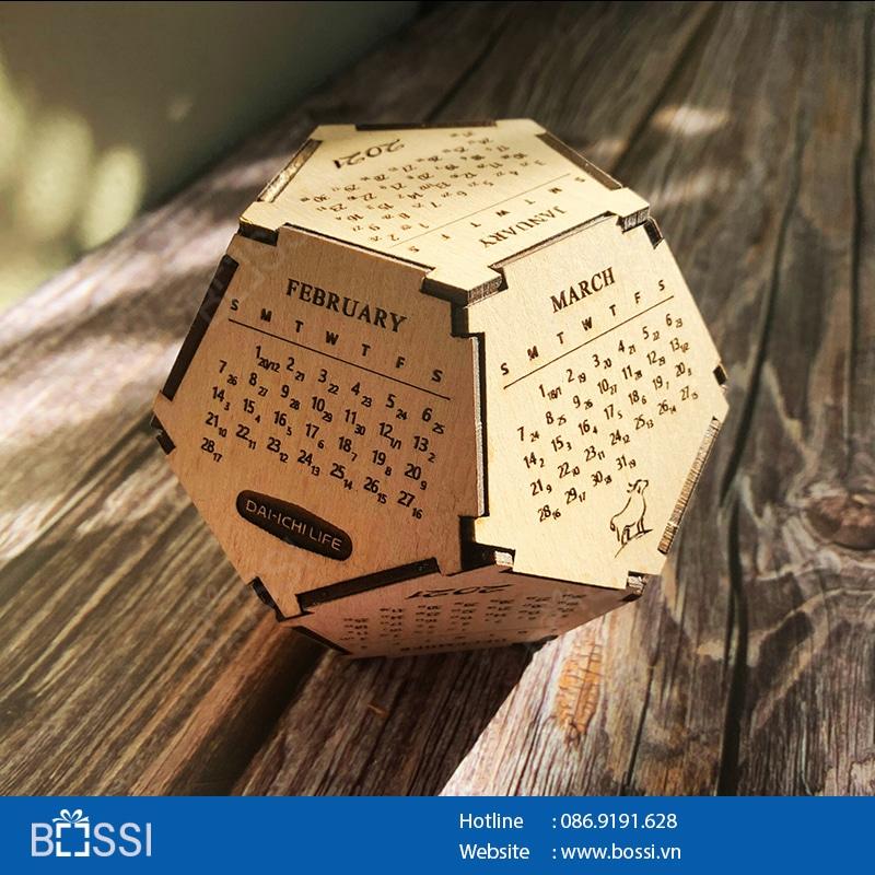 Lịch gỗ để bàn 12 mặt 3D Bossi.vn
